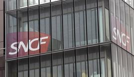 La SNCF a décidé d'investir trois millions d'euros dans la société de voitures de transport avec chauffeur (VTC) Allocab. /Photo d'archives/REUTERS/Jacky Naegelen