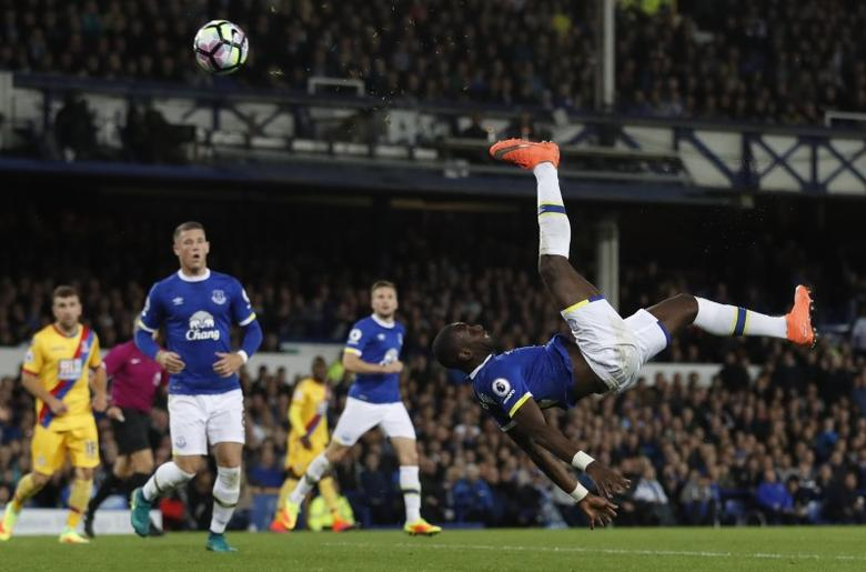 Britain Football Soccer - Everton v Crystal Palace - Premier League - Goodison Park - 30/9/16Everton's Yannick Bolasie with an overhead kickAction Images via Reuters / Carl Recine