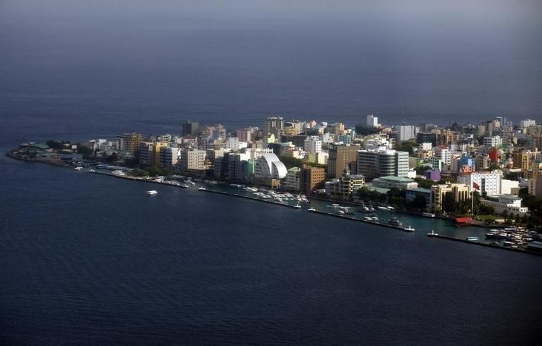An aerial view shows the Maldives capital Male December 7, 2009.  REUTERS/Reinhard Krause