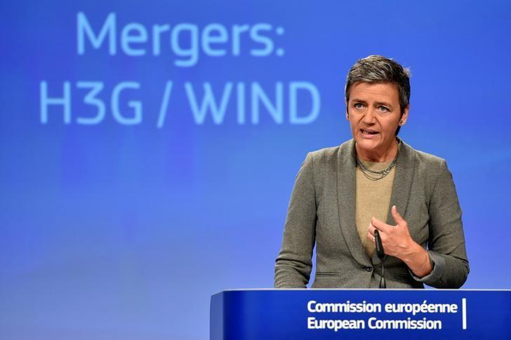 EU Competition Commissioner Margrethe Vestager gestures during a news conference in Brussels, Belgium September 1, 2016. REUTERS/Eric Vidal/Files