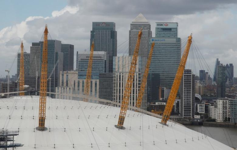 The business district of Canary Wharf is seen behind the O2 Arena in London, September 26, 2016. REUTERS/Amr Abdallah Dalsh