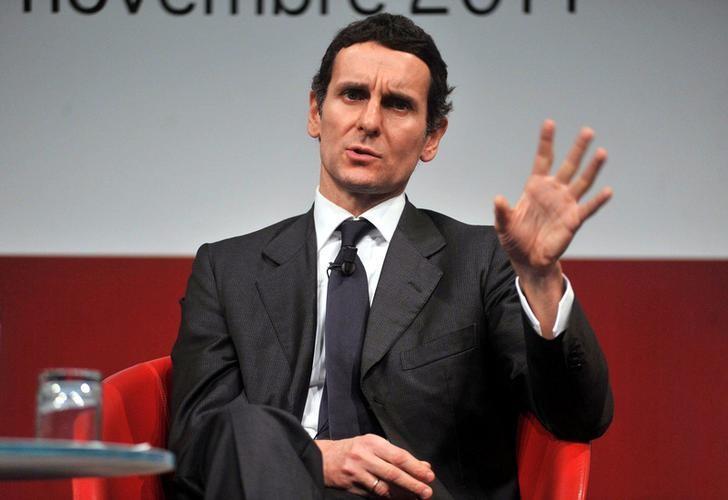 Marco Morelli gestures during a meeting in Milan November 11, 2011. REUTERS/Imagoeconomica