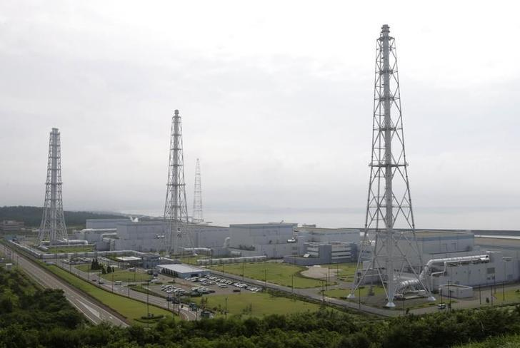 Tokyo Electric Power Co.'s Kashiwazaki-Kariwa nuclear power plant is seen in Kashiwazaki in this July 18, 2007 file photo. REUTERS/Issei Kato/Files