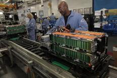 La production industrielle a augmenté de 0,1% aux Etats-Unis en septembre. Le rebond de l'activité manufacturière n'ayant pas suffi à compenser la baisse dans les services aux collectivités suggère une accélération modérée de la croissance économique au troisième trimestre. /Photo d'archives/REUTERS/Rebecca Cook