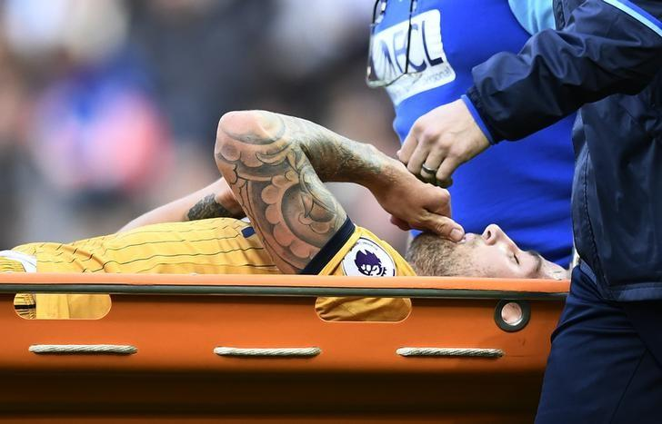 Britain Football Soccer - West Bromwich Albion v Tottenham Hotspur - Premier League - The Hawthorns - 15/10/16Tottenham's Toby Alderweireld is stretchered off after sustaining a injuryReuters / Dylan MartinezLivepic
