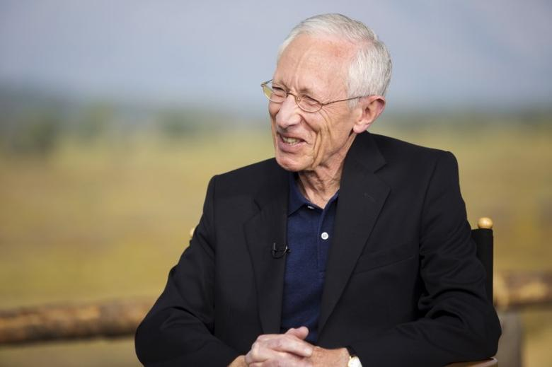 Federal Reserve Vice Chairman Stanley Fischer attends a televised interview during the Federal Reserve Bank of Kansas City's annual Jackson Hole Economic Policy Symposium in Jackson Hole, Wyoming August 28, 2015. REUTERS/Jonathan Crosby