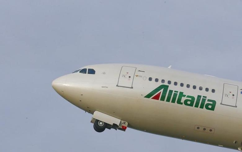 An Alitalia airplane takes off at the Fiumicino International airport in Rome, Italy February 12, 2016. REUTERS/Tony Gentile