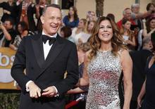 Tom Hanks e a mulher Rita Wilson chegam para premiação em Los Angeles. 18/1/2014.  REUTERS/Lucy Nicholson
