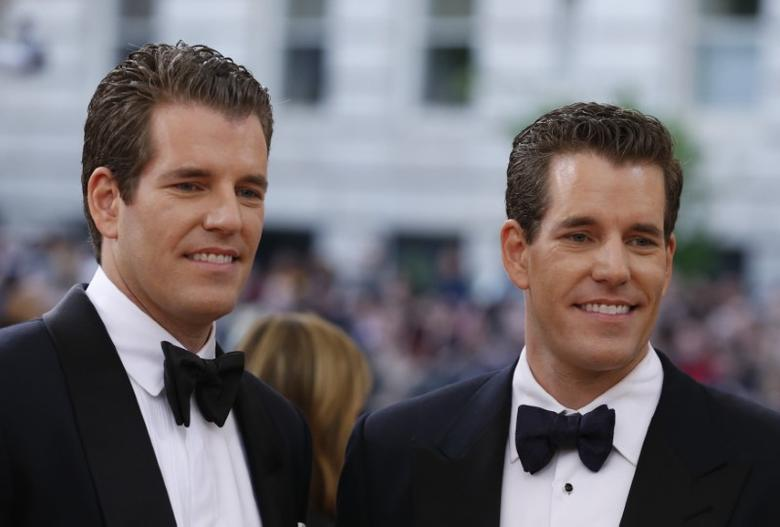 Entrepeneurs Tyler and Cameron Winklevoss arrive at the Metropolitan Museum of Art Costume Institute Gala (Met Gala) to celebrate the opening of ''Manus x Machina: Fashion in an Age of Technology'' in the Manhattan borough of New York, May 2, 2016. REUTERS/Lucas Jackson