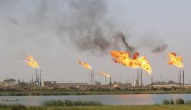 Месторождение нефти в Басре 14 октября 2016 года. Нигерия надеется на стабилизацию цен на нефть в диапазоне $42-$50 за баррель, сказал в пятницу министр финансов страны. REUTERS/Essam Al-Sudani
