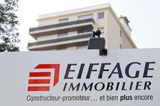 Eiffage a annoncé vendredi se renforcer dans le capital d'Adelac, concessionnaire de l'autoroute A41 Nord entre la France et la Suisse, en rachetant l'intégralité de la participation de Bouygues. /Photo d'archives/REUTERS/Charles Platiau