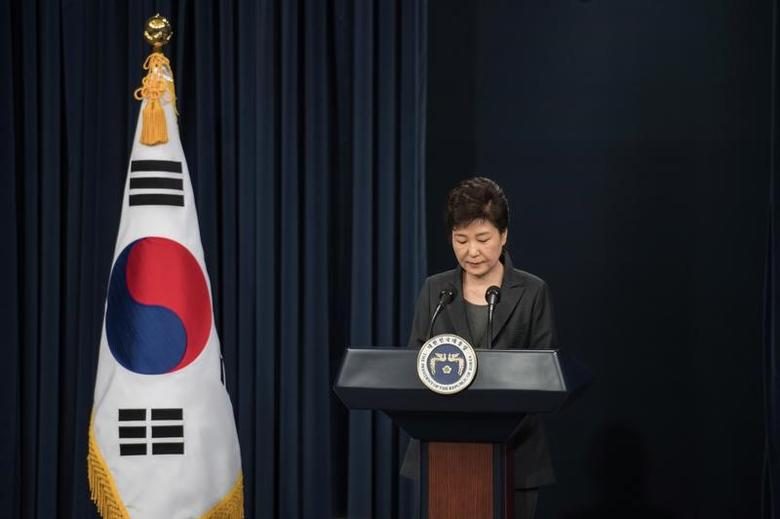South Korean President Park Geun-Hye speaks during an address to the nation, at the presidential Blue House in Seoul on November 4, 2016.REUTERS/Ed Jones/Pool
