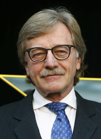 11月17日、欧州中央銀行(ECB)のメルシュ専務理事(写真)は債券買い入れプログラムについて、一時的な措置として導入されたとし、「可能な限り早期」に縮小する必要があるとの認識を示した。2014年1月撮影(2016年 ロイター/Ralph Orlowski)