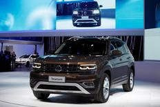 A Teramont SUV is introduced by Volkswagen at China (Guangzhou) International Automobile Exhibition in Guangzhou, China November 18, 2016.      REUTERS/Bobby Yip