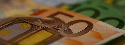 La politique monétaire de la Banque centrale européenne doit maintenir le niveau actuel de soutien afin d'assurer la remontée de l'inflation vers un niveau un peu inférieur à 2%. /Photo d'archives/REUTERS/Leonhard Foeger