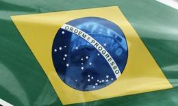Le gouvernement brésilien a abaissé mardi sa prévision de croissance économique pour 2017, à 1,0% contre 1,6% précédemment, s'alignant ainsi sur le pessimisme du marché, alors que le pays peine à sortir de sa pire récession depuis au moins 80 ans. /Photo d'archives/REUTERS/Nacho Doce