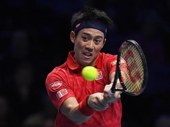 11月22日、男子テニス世界ランク5位の錦織圭は今季の全日程を終え、シーズンを総括。「来年はランク3位や4位を争えると確信している」などと話した。ロンドンで19日撮影(2016年 ロイター)