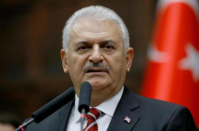 11月24日、欧州議会は、トルコとのEU加盟交渉の中断を欧州委員会と加盟各国に求める決議を479対37の賛成多数で採択した。写真はトルコのユルドゥルム首相、アンカラで8日撮影(2016年 ロイター/Umit Bektas)