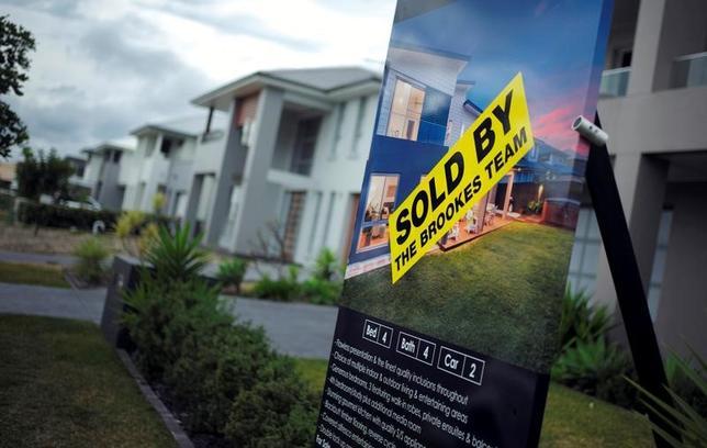 11月25日、オーストラリアの不動産に対する中国などの外国人の投資は、いったん弱まったものの再び活発化してきた。このため規制当局者の間では、住宅バブルへの懸念が広がっている。シドニー郊外で8月撮影(2016年 ロイター/Jason Reed)