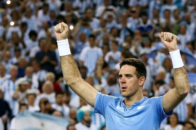 11月25日、男子テニスの国別対抗戦、デ杯ワールドグループ決勝はシングルス2試合を行い、クロアチアとアルゼンチンがともに1勝1敗とした。アルゼンチンはフアンマルティン・デルポトロが勝利(2016年 ロイター/Marko Djurica)