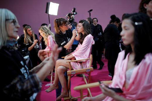 Models get ready backstage before the Victoria's Secret Fashion Show 2016. REUTERS/Benoit Tessier