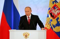 Президент РФ Владимир Путин выступает с посланием Федеральному собранию в Кремле. Москва, 1 декабря 2016 года. Президент РФ Владимир Путин поручил в следующие два года разработать и принять изменения в налоговую систему с тем, чтобы они заработали с 2019 года. REUTERS/Maxim Shemetov