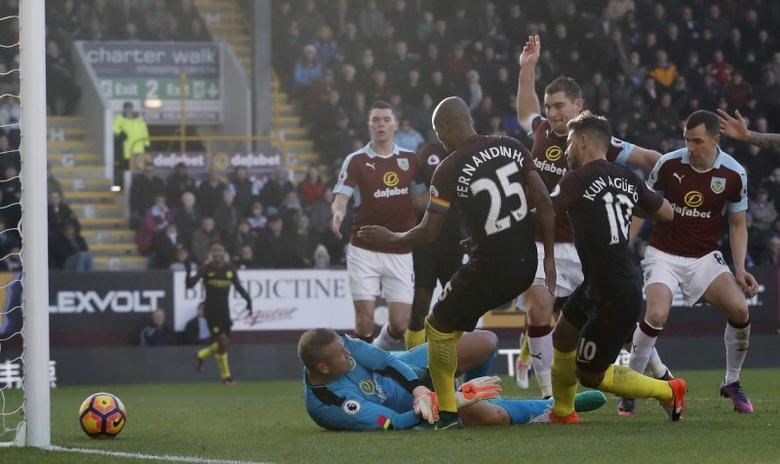 Football Soccer Britain - Burnley v Manchester City - Premier League - Turf Moor - 26/11/16 Manchester City's Sergio Aguero scores their first goal  Action Images via Reuters / Carl Recine Livepic