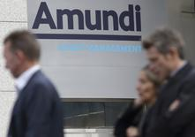 UniCredit a engagé des discussions exclusives avec Amundi en vue de vendre son gestionnaire d'actifs Pioneer Investments. /Photo d'archives/REUTERS/Philippe Wojazer