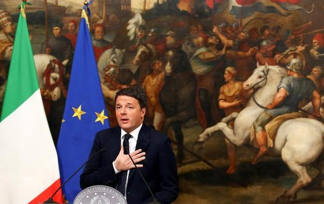 Italian Prime Minister Matteo Renzi speaks during a media conference after a referendum on constitutional reform at Chigi palace in Rome, Italy December 5, 2016. REUTERS/Alessandro Bianchi/File Photo