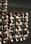 Un cargamento de cobre en el puerto de Valparaíso, Chile, jun 29, 2009. Las importaciones chinas de cobre aumentaron un 31 por ciento en noviembre respecto al mes anterior hasta 380.000 toneladas, su nivel más alto desde junio, mostraron el jueves datos de aduanas, luego de que los operadores almacenaron más metal en medio de una demanda robusta del sector de la construcción.    REUTERS/Eliseo Fernandez