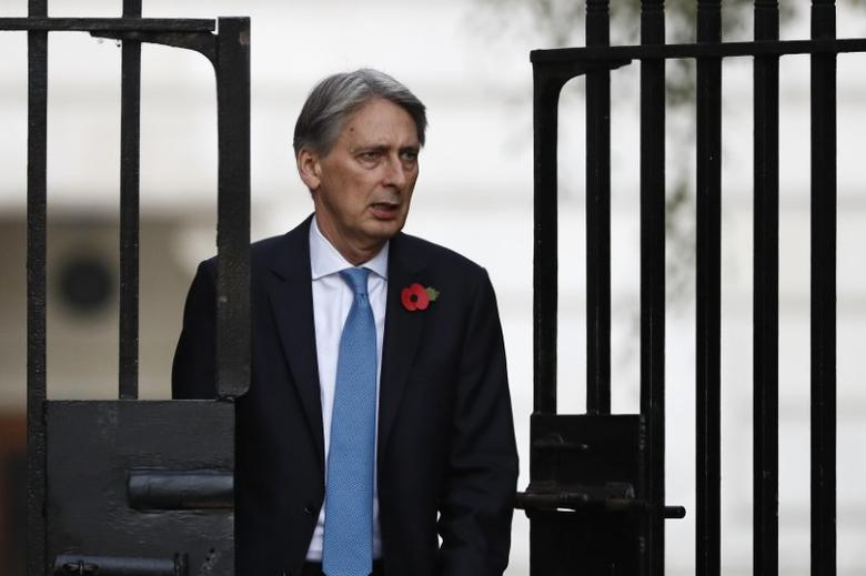 Chancellor Philip Hammond arrives at Downing Street in central London, Britain October 31, 2016. REUTERS/Stefan Wermuth