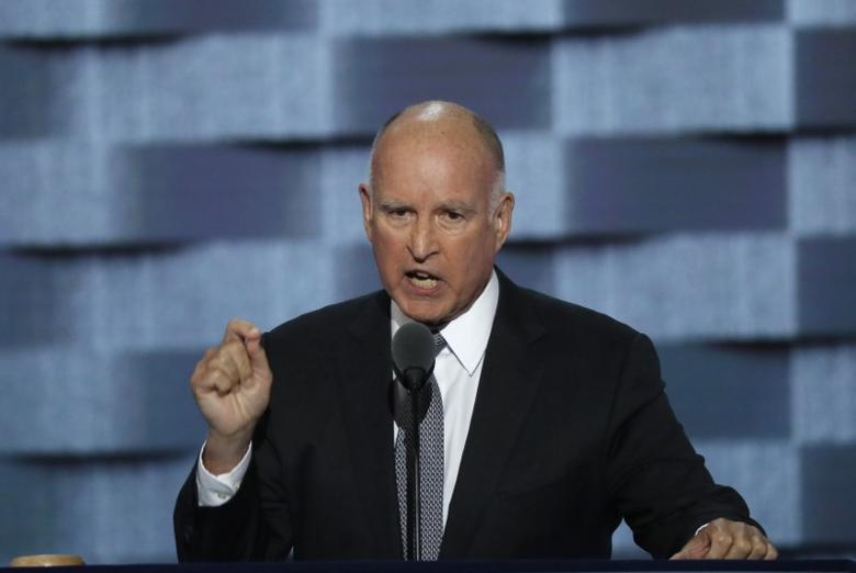California Governor Jerry Brown speaks on the third day of the Democratic National Convention in Philadelphia, Pennsylvania, U.S. in this file photo dated July 27, 2016. REUTERS/Mike Segar