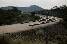 Trecho de obra não concluída da ferrovia Transnordestina em Custódia, Pernambuco. 26/01/214 REUTERS/Ueslei Marcelino