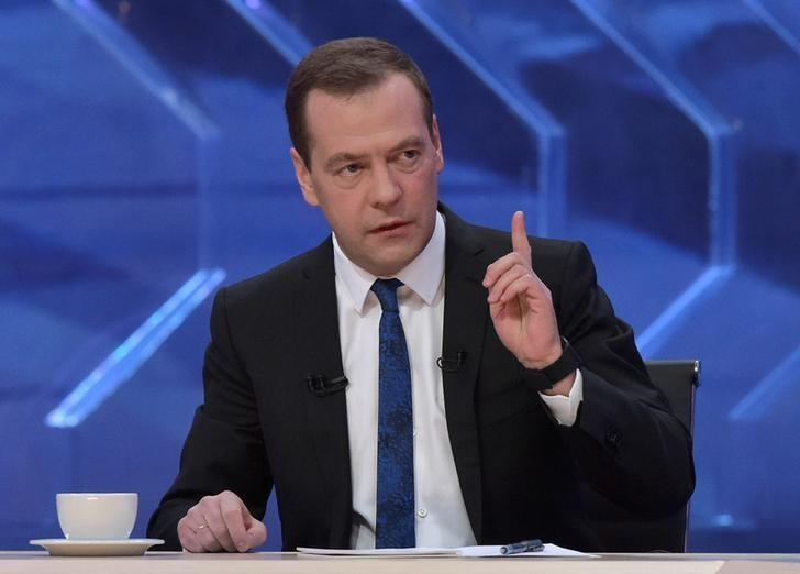 Russia's Prime Minister Dmitry Medvedev gives an interview to Russian TV channels in Moscow, Russia, December 15, 2016. Sputnik/Alexander Astafyev/Pool via REUTERS