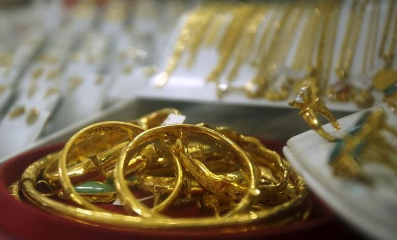 Gold products are displayed for sale at a shop in Hanoi December 3, 2015. REUTERS/Kham