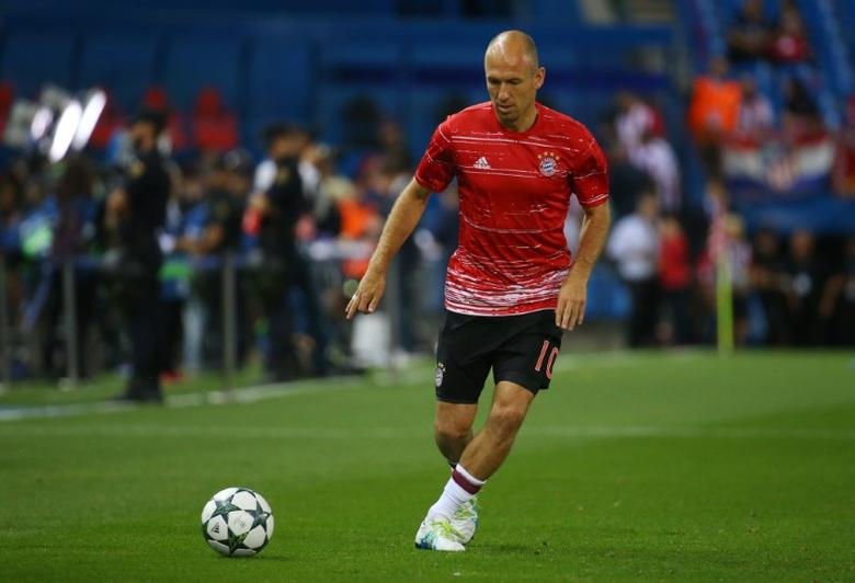 Soccer Football - Atletico Madrid v Bayern Munich - UEFA Champions League Group Stage - Group D - Vicente Calderon, Madrid, Spain - 28/9/16Bayern Munich's Arjen Robben warms up before the matchReuters / Paul Hanna