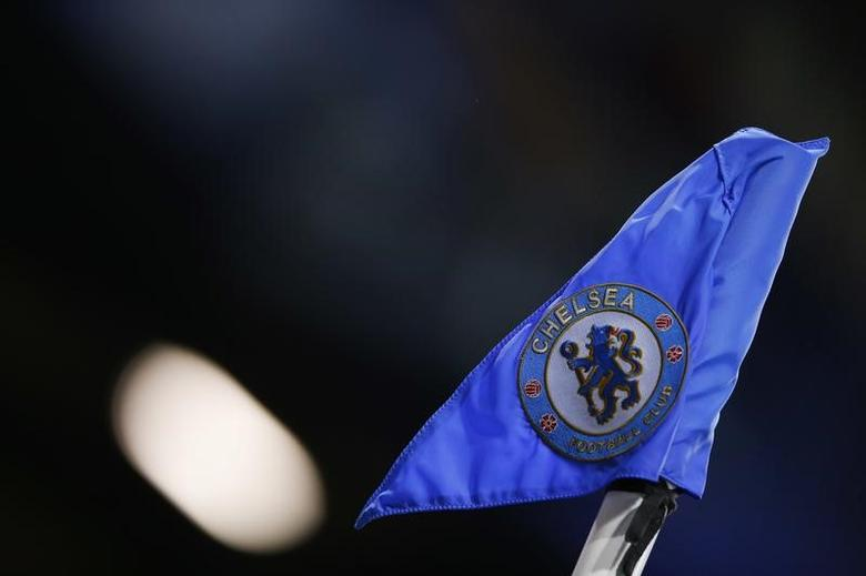 Britain Football Soccer - Chelsea v Everton - Premier League - Stamford Bridge - 5/11/16 General view of the corner flag before the match Action Images via Reuters / Andrew Couldridge Livepic