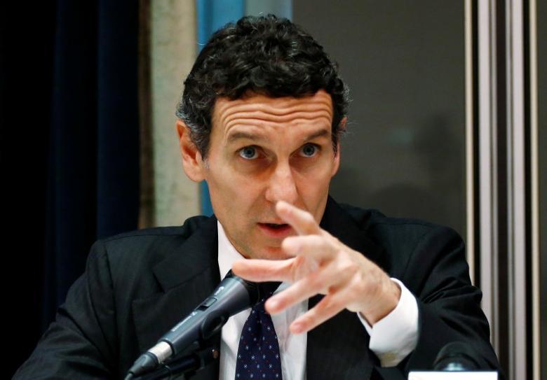 Monte dei Paschi di Siena bank CEO Marco Morelli talks during a news conference  in Milan, Italy October 25, 2016. REUTERS/Alessandro Garofalo - RTX2QCCV
