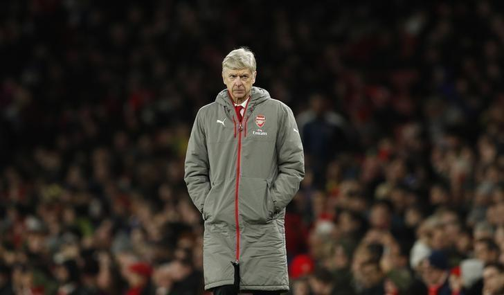 Britain Soccer Football - Arsenal v West Bromwich Albion - Premier League - Emirates Stadium - 26/12/16 Arsenal manager Arsene Wenger looks dejected  Action Images via Reuters / John Sibley Livepic