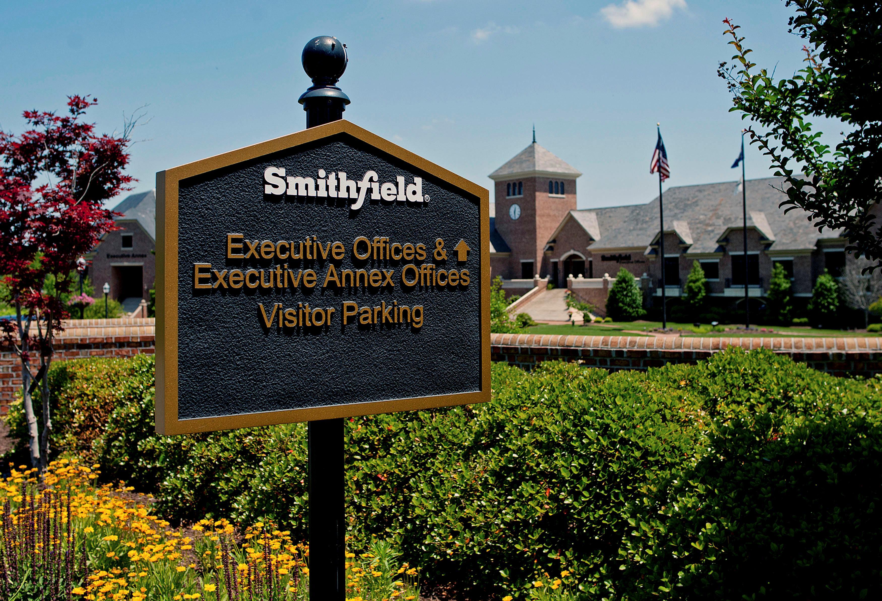 Pork giant Smithfield skips middlemen in grain supply chain