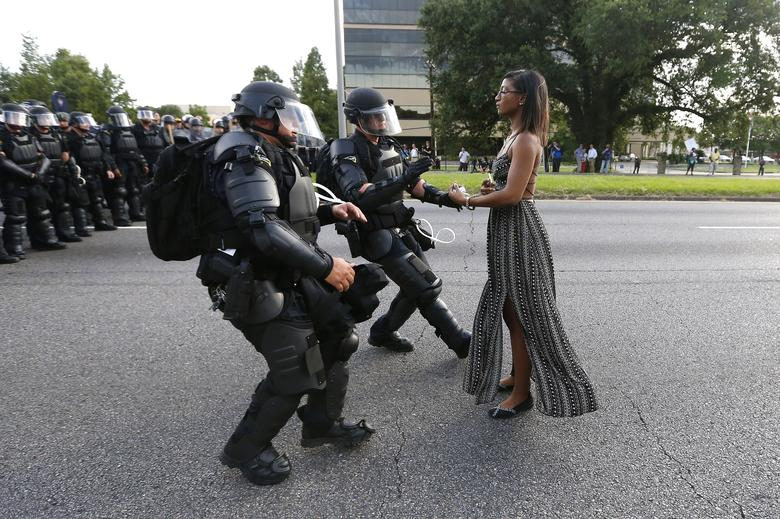 Pictures of the year 2016 | Reuters com