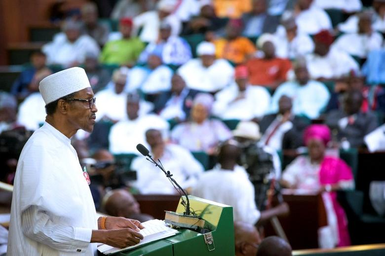 Nigeria's President Muhammadu Buhari presents the 2017 National Budget to the National Assembly in Abuja, Nigeria December 14, 2016. REUTERS/Stringer