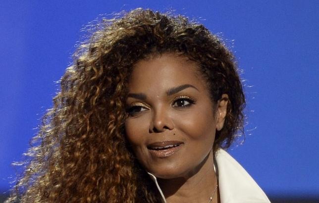 Janet Jackson accepts the Ultimate Icon Award during the 2015 BET Awards in Los Angeles, California, June 28, 2015. REUTERS/Kevork Djansezian/File Photo