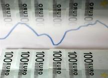 Les prix à la consommation ont augmenté plus fortement que prévu dans la zone euro au mois de décembre. /Photo d'archives/REUTERS/Dado Ruvic
