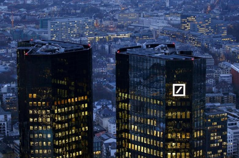 FILE PHOTO:  The headquarters of Germany's Deutsche Bank is seen in Frankfurt, Germany, January 26, 2016.   REUTERS/Kai Pfaffenbach/File Photo