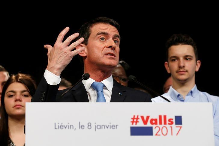 French politician and former Prime Minister Manuel Valls, candidate for the left's presidential primaries, attends a meeting with supporters in Lievin, France January 8, 2017.  REUTERS/Pascal Rossignol