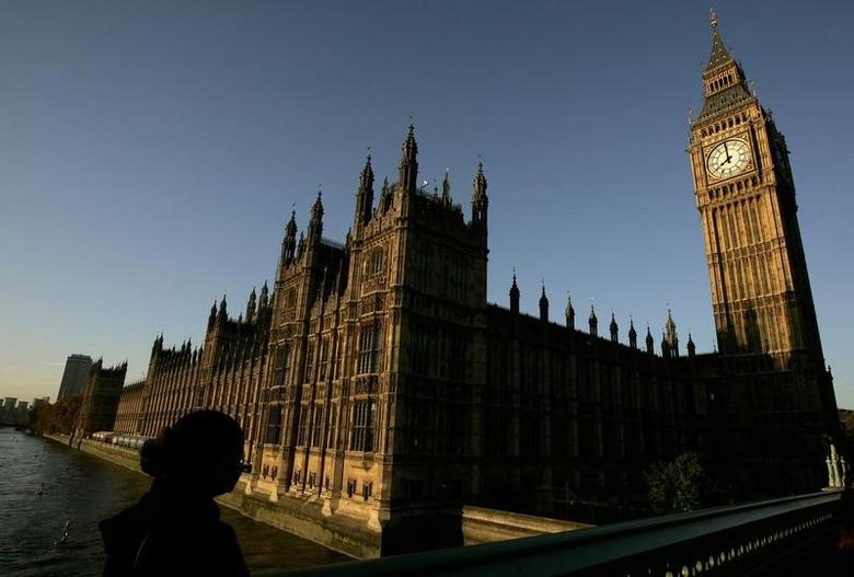 The Houses of Parliament and the Big Ben are seen before the State Opening of Parliament in London, November 6, 2007.   REUTERS/Alessia Pierdomenico