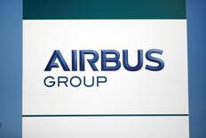 """Les représentants de quatre syndicats d'Airbus Group se sont dits mardi """"rassurés"""" par le patron de l'entreprise, qui les a reçus à leur demande pour évoquer la suppression de 1.164 postes en France prévues par le plan Gemini. /Photo d'archives/REUTERS/Benoit Tessier"""