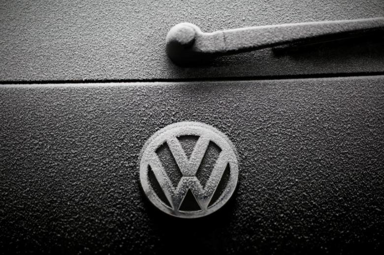 Snowflakes are seen on the badge of a Volkswagen car in Warsaw, Poland December 17, 2016. REUTERS/Kacper Pempel/Files