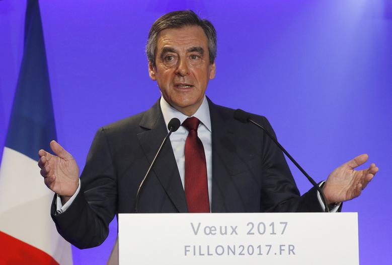 Francois Fillon, member of Les Republicains political party and 2017 presidential candidate of the French centre-right, presents his New Year wishes at a news conference at his campaign headquarters in Paris, France, January 10, 2017.  REUTERS/Philippe Wojazer